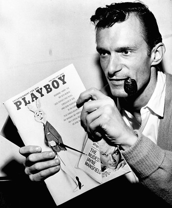"""Hugh Hefner, a University of Illinois alum, and Playboy turned a modest America on its ear with photographs of beautiful nude women mixed with provocative writing. (Chicago Tribune photo by John Austad) ..OUTSIDE TRIBUNE CO.- NO MAGS, NO SALES, NO INTERNET, NO TV, CHICAGO OUT.. """"Chicago Days"""" 00288152A 150 year images"""