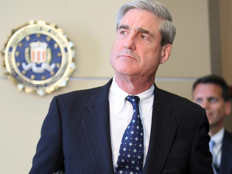 af3bb5b229d7 Yet even when going tieless, Mueller's collar's still affect that bulge at  the top. I guess it's just the way he rolls. — ERIC TWARDZIK